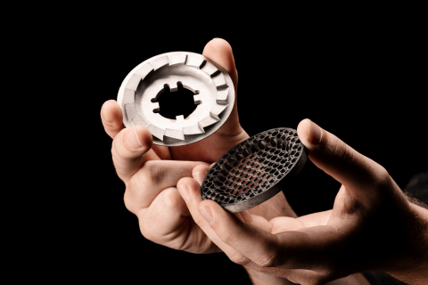 A clutch plate printed on the Shop System. (Photo: Business Wire)