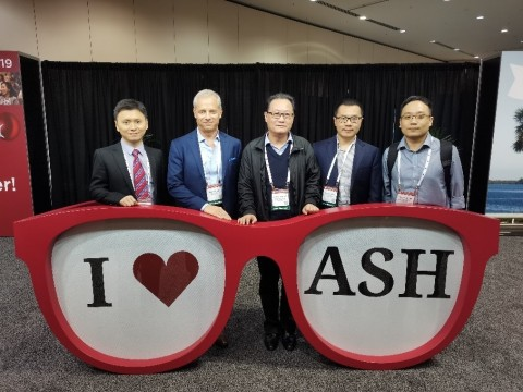 Figure 1: Principle Investigator, Professor Jianfeng Zhou of Tongji Hospital, Tongji Medical College and his team in attendance at the 61st Annual American Society of Hematology (ASH) Meeting & Exposition, December 7-10 in Orlando, FL. (Photo: Business Wire)