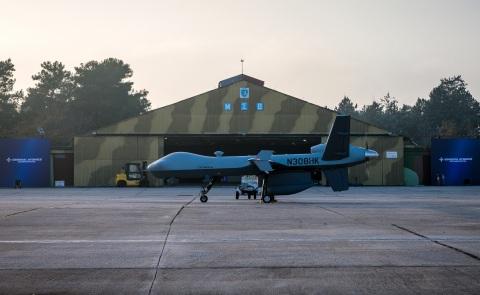 GA-ASIのMQ-9ガーディアンRPAがギリシャのラリッサ空軍基地にて海洋監視および検知・衝突回避(DAA)の能力のデモに向けて待機中。(写真:ビジネスワイヤ)