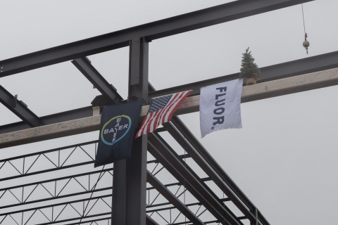 Fluor places the final steel beam on Bayer's new cell culture technology center in Berkeley, California this afternoon. (Photo: Business Wire)