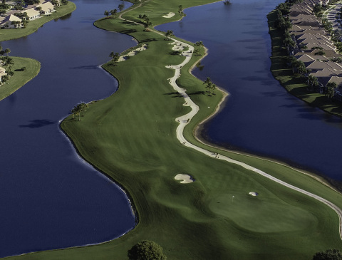 THE FAZIO COURSE AT ABERDEEN features plenty of water as this aerial view of the par-4 eleventh hole attests. (Photo: Business Wire)