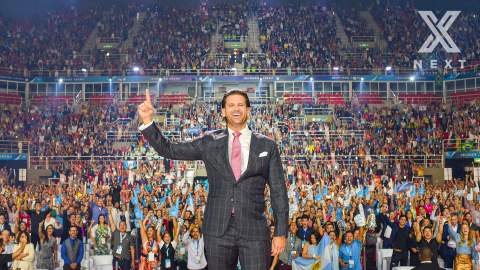 Jeunesse Chief Visionary Officer Scott Lewis at the Jeunesse EXPO X World Tour stop in Rio de Janeiro. (Photo: Business Wire)