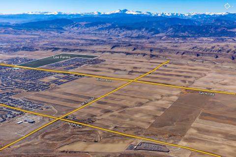 米国コロラド州ラブランドの245エーカーのリー・ファームズ所有地は、一戸建て住宅の計画住宅地に造成され、住宅約900軒が建設される予定です。(画像:ビジネスワイヤ)