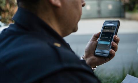 Motorola Solutions LEX L11 Broadband Push-to-Talk (Photo: Business Wire)