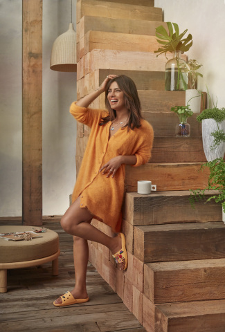 """Actor, producer and global UNICEF ambassador Priyanka Chopra Jonas styling her Classic Slides with Jibbitz charms. Chopra Jonas is one of five global ambassadors announced as part of Crocs' newest """"Come As You Are"""" campaign, inspiring fans to feel comfortable in their own shoes. (Photo: Business Wire)"""