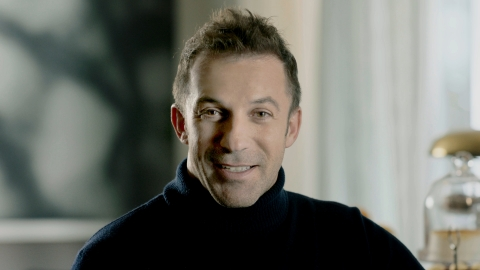 Football legend Alessandro Del Piero in new Sky Sport TV advert for Skrill prepaid Mastercard® (Photo: Business Wire)