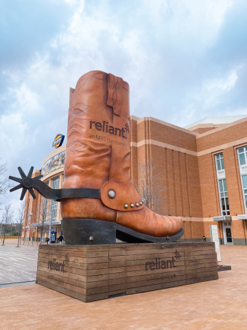The Reliant Big Boot, standing more than 25-feet-tall, is located on the Simmons Bank Plaza at Dickies Arena. (Photo: Business Wire)