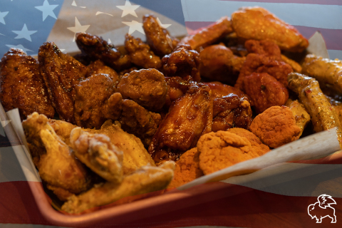 If the Big Game goes to overtime, Buffalo Wild Wings is giving everyone in America free wings (Photo: Business Wire)