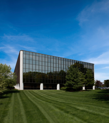 KBS' Woodbridge Corporate Plaza (Photo: Business Wire)