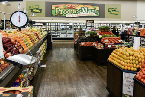 The expanded produce section of the new Hanford Smart & Final Extra! store offers an assortment of club and traditional-sized fresh and organic options. (Photo: Business Wire)