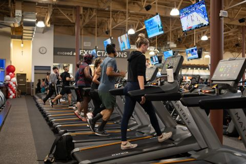 24 Hour Fitness Cardio Area (Photo: Business Wire)