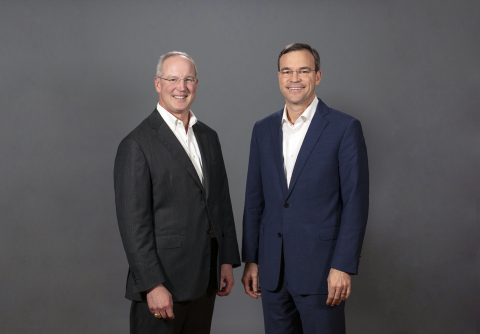 (L-R) Robert R. Hill, Jr., South State Corporation CEO, and John C. Corbett, CEO of CenterState Bank, have announced a merger of equals to create a leading Southeast regional bank. (Photo: Business Wire)