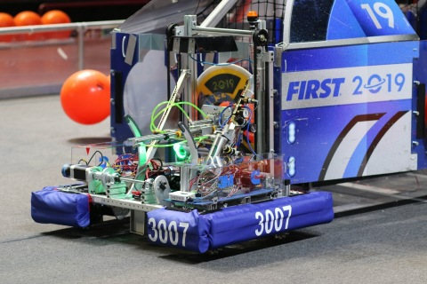 FIRST Robotics utilizes robotics as a tool to inspire youth in science, technology, engineering and math (STEM). The grant from the Pentair Foundation provides support for 22 U.S. based teams and four teams in Asia. (Photo: Business Wire)