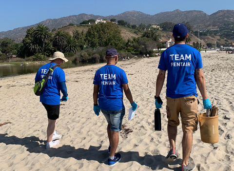 From serving as mentors to young science students, to packing food and cleaning beaches, in 2019 Pentair employees came together as Team Pentair to make a lasting difference in communities from Suzhou, China to St. Paul, Minnesota and many places in between. (Photo: Business Wire)
