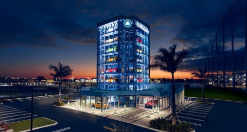Carvana Debuts 24th Car Vending Machine in Miami; Signature Structure Stands Eight Stories High and Holds Up to 27 Vehicles. (Photo: Business Wire)