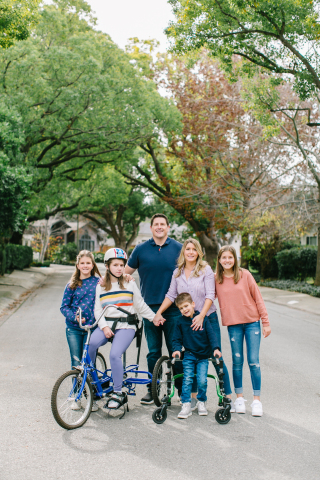 Maggie (10), Tessa (16, has SLC13A5 Deficiency), Zach (Dad, Founder), Kim (Mom, Founder), Colton (6, has SLC13A5 Deficiency) and Lily (12) (Photo: Business Wire)
