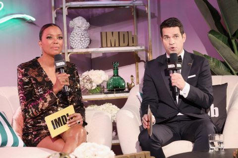 """Aisha Tyler and Dave Karger will co-host """"IMDb LIVE Presented by M&M'S at the Elton John AIDS Foundation Academy Awards Viewing Party"""" (Photo: Getty Images for IMDb)"""