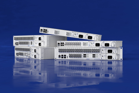 Die ADVA FSP 150-XG400-Serie bietet branchenweit einzigartige Aktivierungstests für 100G-Dienste bei voller Leitungsgeschwindigkeit. (Foto: Business Wire)