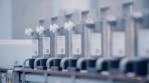 Potassium Molybdate Mo 99 Source Vessels for RadioGenix® System (Photo: Business Wire)