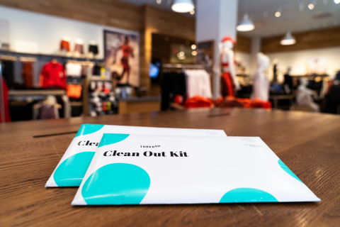 thredUP Clean Out Bags (Photo: Business Wire)