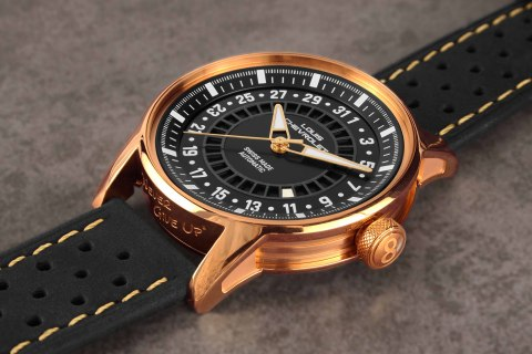One of the Frontenac automatic LC9 version by Louis Chevrolet Swiss Watches (Photo: Louis Chevrolet Swiss Watches)