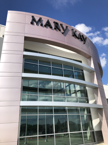 Richard R. Rogers (R3) Manufacturing/R&D Center. (Photo: Mary Kay Inc)