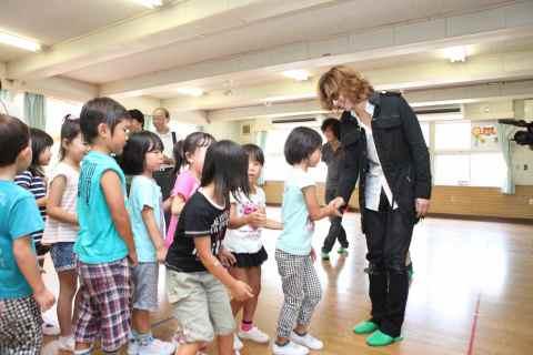 YOSHIKI Japan Red Cross Earthquake Recovery (Photo: YOSHIKI)