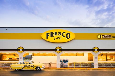 Southeastern Grocers, parent company and home of Fresco y Más, to modify hours, donate meals and offer employment opportunities to those in need. (Photo: Business Wire)