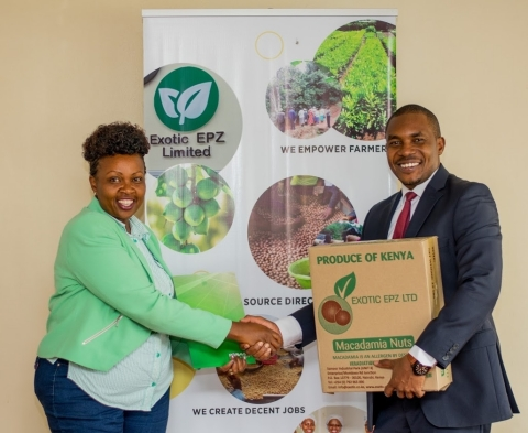 Jane Maigua, Managing Director of Exotic EPZ Ltd, and Erick Castro Bungu, Sales Director at REDAVIA, after signing the lease agreement (Photo: Business Wire)