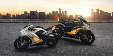 """Damon introduces two new Hypersport Premier Motorcycles: Arctic Sun (left) and Midnight Sun (right) Now Available to Reserve."" (Photo: Business Wire)"