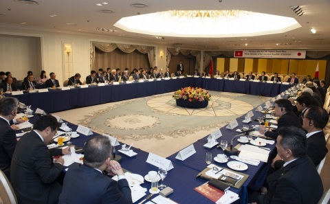 FPT hosted Vietnam Prime Minister's Breakfast to discuss trade collaboration with Japanese Government and businesses on the sideline of G20 Osaka Summit in June 2019. (Photo: Business Wire)