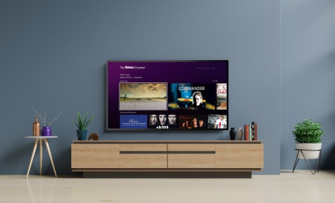 The Roku Channel provides consumers with free access to 10.000+ movies, TV episodes and documentaries. Now available in the UK. (Photo: Business Wire)