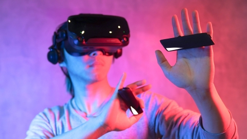 Actronika integrates the next generation of haptics into etee - the first full finger control and proximity, touch, gesture and pressure sensing VR controller. On sale from 2nd April 2020. (Photo: TG0)