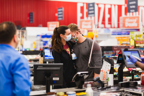 Southeastern Grocers, parent company and home of BI-LO, Fresco y Más, Harveys Supermarket and Winn-Dixie grocery stores, pays grocery bill for thousands of health care professionals and first responders. (Photo: Business Wire)