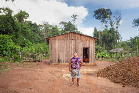 A local community member at the Jacundá Forest Reserve, a carbon-reducing project supported by Cool Effect that sequesters about 400,000 tonnes of carbon per year, is responsible for helping to safeguard the forest against illegal loggers and deforestation. (Photo: Business Wire)