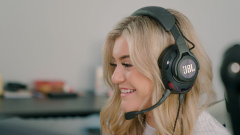 JBL Quantum Announced as Official Global Gaming Headset Partner of 100 Thieves. (Photo: Business Wire)