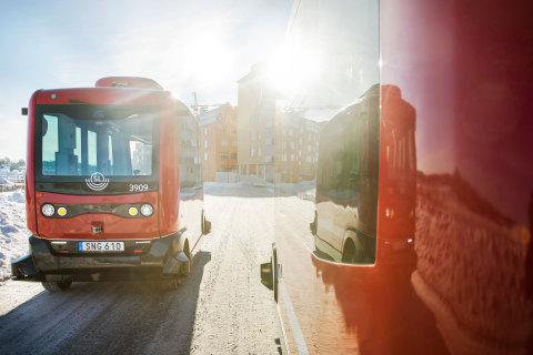 Velodyne's high performance lidar technology is a key component in enabling EasyMile autonomous vehicles to deliver smart mobility in urban, suburban and private environments. (Photo: Gustav Gräll for Nobina - EasyMile EZ10 in Barkaby, Sweden)