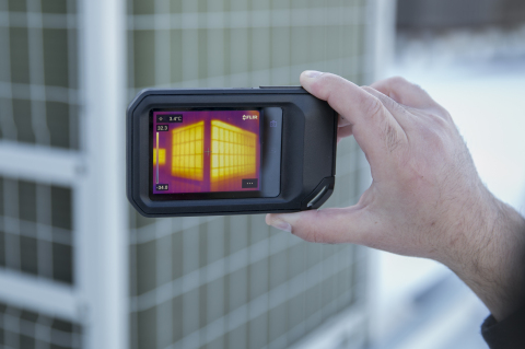 The FLIR C5 Compact Thermal Camera is the latest addition to the popular Cx-Series. It instantly uploads images to the cloud for building, manufacturing, and utility applications with new built-in FLIR Ignite cloud connectivity. (Photo: Business Wire)