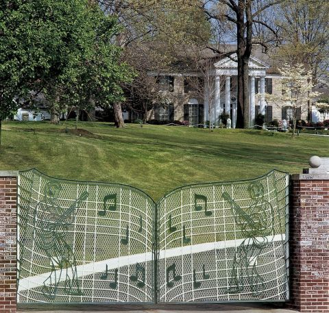 The Gates of Elvis Presley's Graceland (Photo: Business Wire)