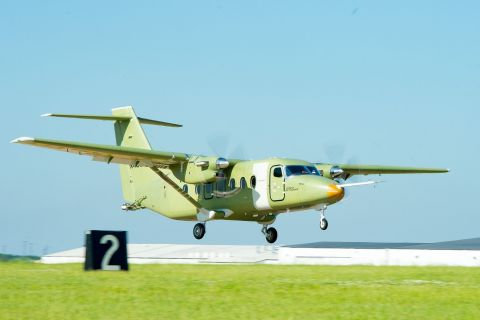During the Cessna SkyCourier's 2-hour and 15-minute flight, the team tested the aircraft's performance, stability and control, as well as its propulsion, environmental, flight controls and avionics systems. (Photo: Business Wire)