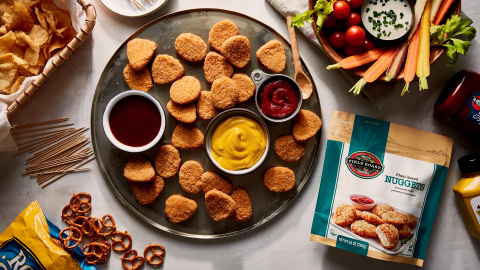 Field Roast Plant-Based Nuggets are breaded to perfection and full of flavor, with a taste and texture comparable to traditional chicken nuggets. (Photo: Business Wire)