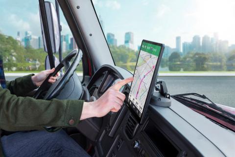 Garmin® unveils new series of oversized dēzl™ truck navigators (Photo: Business Wire)