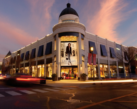 Express storefront at Easton Town Center in Columbus, Ohio. (Photo: Business Wire)