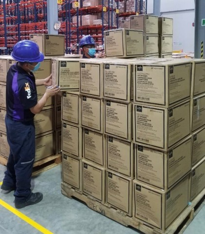 FedEx Logistics Distributes Hospital Equipment from Panama. (Photo: Business Wire)