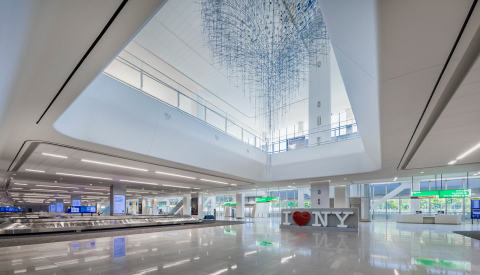 The Arrivals & Departures Hall at LaGuardia's Terminal B. (Photo: Business Wire)
