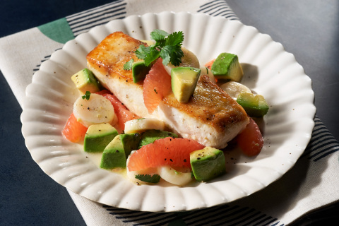 California Avocado, Hearts of Palm and Grapefruit Salad with Seared White Fish by Chef Charleen Badman of FnB Restaurant (Photo: Business Wire)