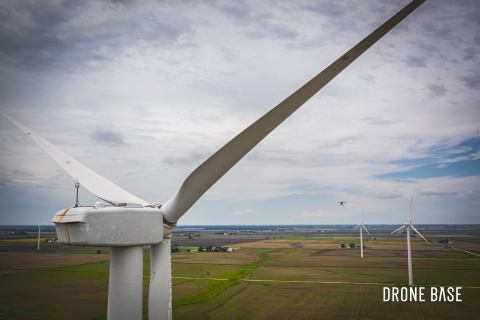 DroneBase announces DroneBase Insights for Wind and Solar. (Photo: Business Wire)