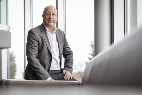 亚太区副总裁 Steve Sparkes 领导着专门负责亚太地区的业务组织