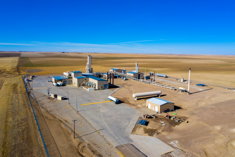 Helium production recently quadrupled at Tumbleweed Midstream's Ladder Creek Helium Plant in eastern Colorado, shown in photo. Natural gas producers in eastern Colorado and western Kansas earn premium netbacks for helium-rich natural gas processed at the Ladder Creek plant. (Photo courtesy of Tumbleweed Midstream.)