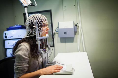L'EEG haute densité complète la technologie de stimulation magnétique transcrânienne de Magstim, moteur de l'innovation (Photo: Magstim)